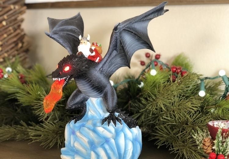gorilla-goodies-dragon-tree-topper-3