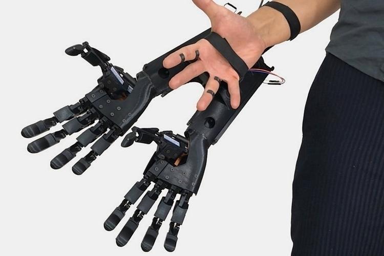 youbionic-double-hands-1