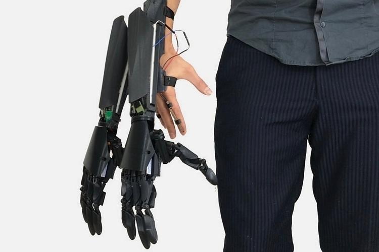 youbionic-double-hands-2