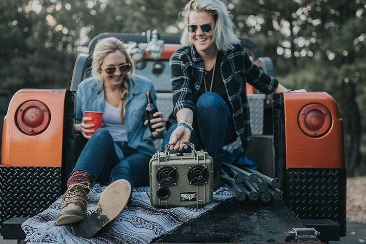 demerbox-portable-bluetooth-speaker-2