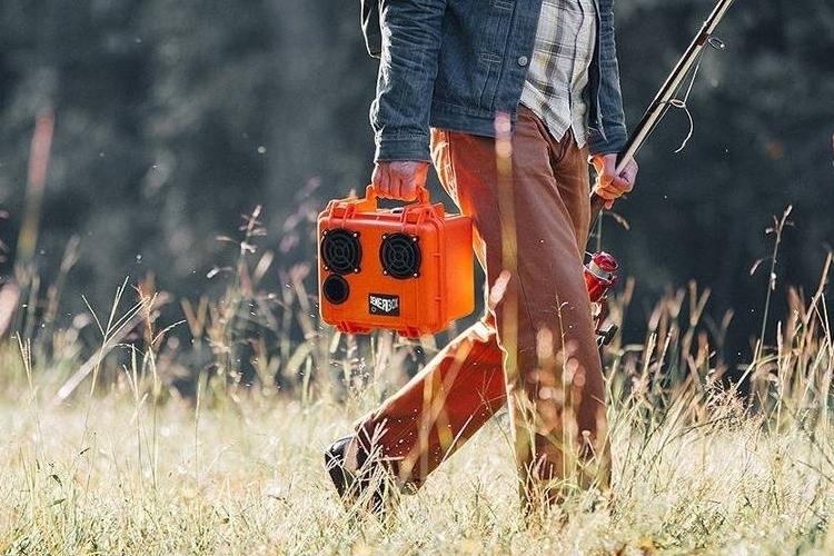 demerbox-portable-bluetooth-speaker-3