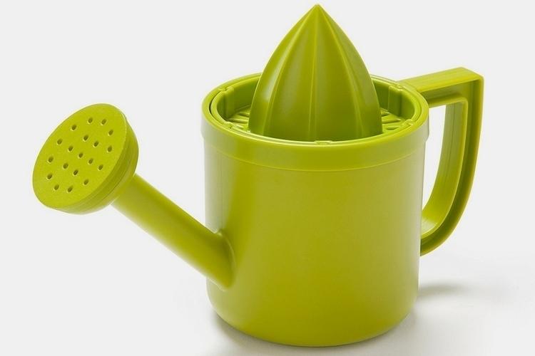 peleg-design-lemoniere-juicer-watering-can-1