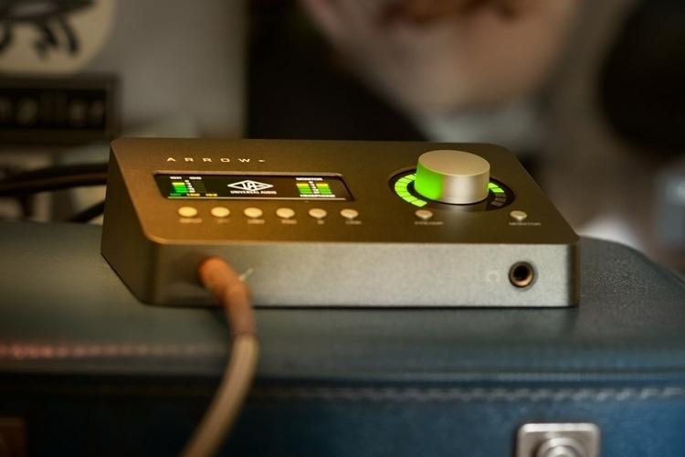 universal-audio-arrow-4