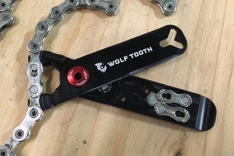 wolftooth-pack-pliers-4