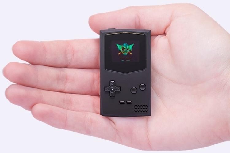 pocketsprite-keychain-game-console-1
