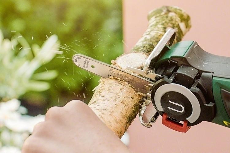 bosch-easycut-12-mini-chainsaw-3