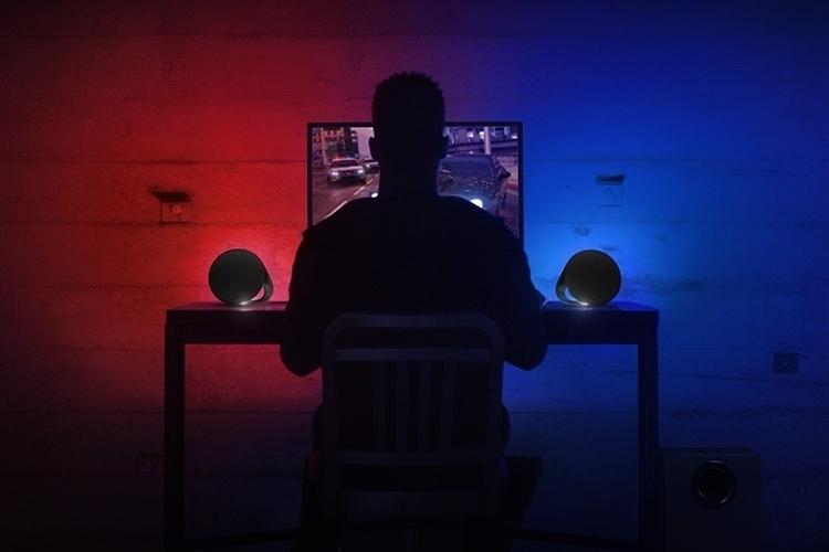 logitech-g560-lightsync-pc-gaming-speakers-3