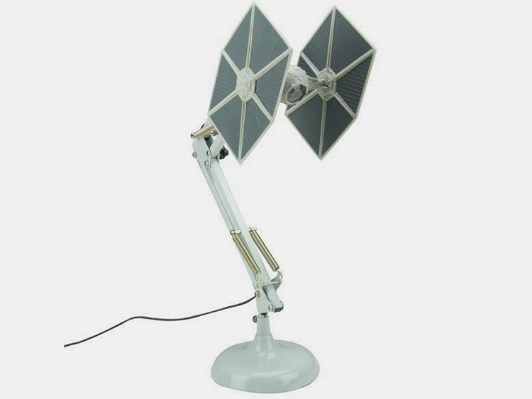 star-wars-tie-fighter-desk-lamp-0