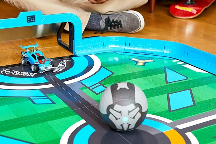 hot-wheels-rocket-league-stadium-playset-3