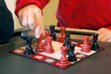 thinkfun-all-queens-chess-2